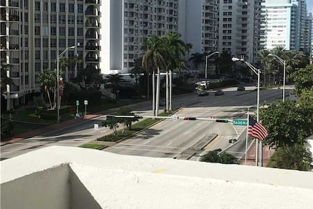 Great priced Apt-518 in Miami Beach - 公寓