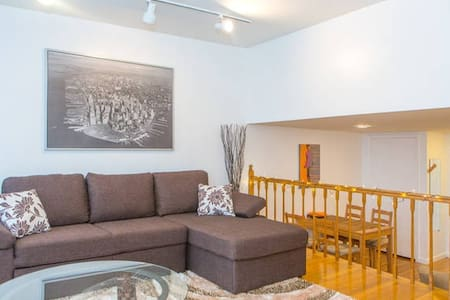 This is great fully renovated 1 bedroom apartment located in heart of New York City.