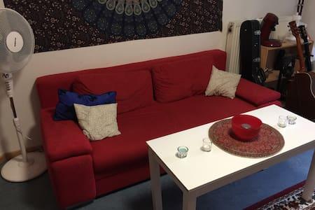 Gemütliches Zimmer/ Beste Lage - Appartamento