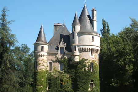 Château la Chaise -chambre Louis XV - Hrad