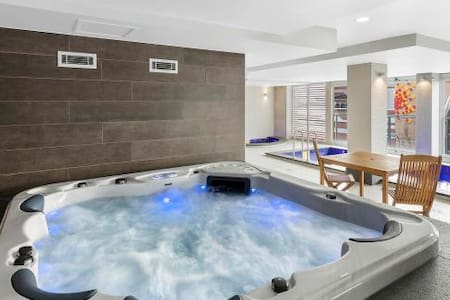 good location, pool, spa,sauna, gym. - Adelaide - Apartment