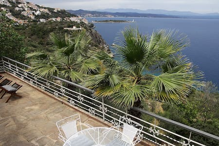 Private Villa / Panoramic view - Huvila