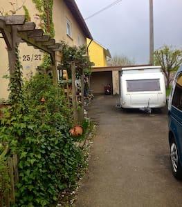 Autobahnnah (A8),familienfreundlich - House