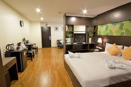 WIFI Service Apartment in the city - Apartament