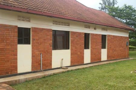 Country home near Murchion Falls - masindi