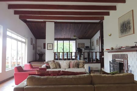 House with fireplace in Mountain 15min Teresopolis - Teresópolis - Cabin