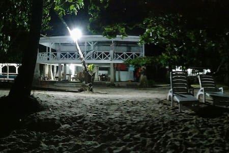 KiluanDolphin Private Beach - Appartamento