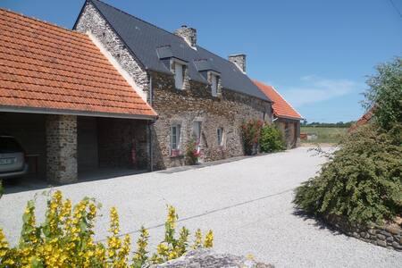 La Petite Rucgueville à Port-Bail - Haus