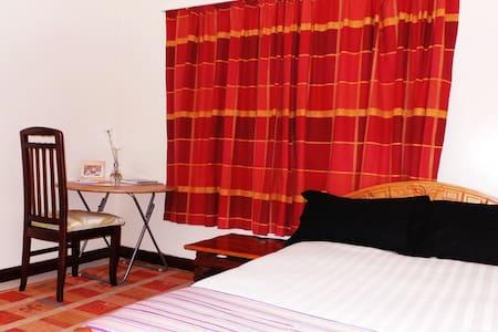 Njiwa Room at the heart of Kilimani - Rumah