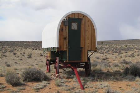 Sheep Wagon2 Glamping on Navajoland - Annat