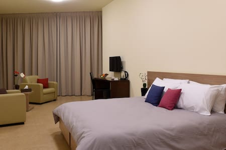 BYBLOSTAR SUITES /DELUXE ROOM - Bed & Breakfast