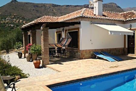 rural retreat, villa for rent - Alcaucín - Villa