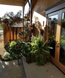 The Moroccan Suite At The Lemon Drop Inn - Oak View - Casa