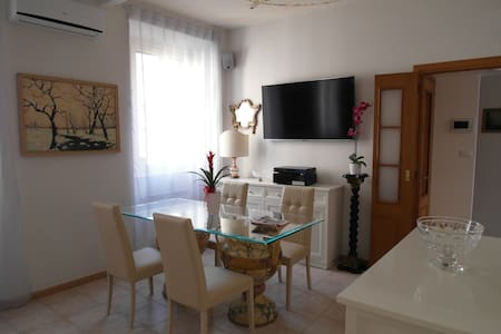 Nice apartment in the Roman Forum - Apartment
