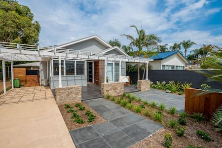 NORTH AVOCA BEACH COTTAGE - North Avoca
