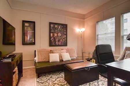 Marvelous Belltown APT | 98 WalkScore - Seattle - Apartment