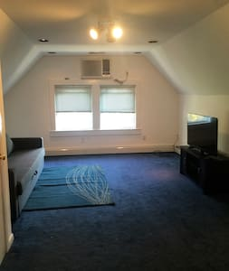 Spacious 1 bedroom and 1 living room near NYC - Bayonne - Haus