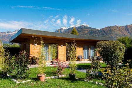 House at the edge of Lake Annecy  - Lathuile - Alpstuga