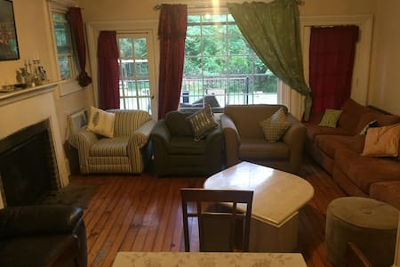 The Rectangle Bedroom in Wesley Hills - Monsey - Haus