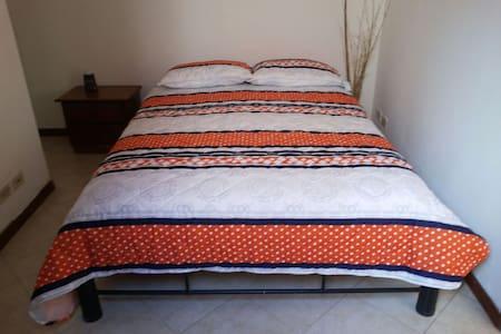 Room in San Antonio de Pereira - Ház