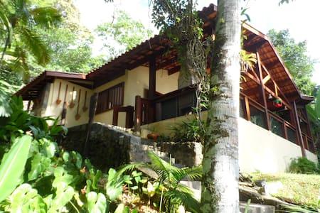 Picinguaba, bela casa na praia - Picinguaba