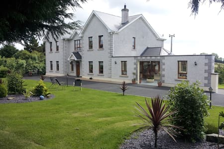 Westborough House  B&B Triple room ensuite - Bed & Breakfast