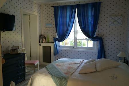 La Chambre Familiale - Sainte-Gemme-Moronval