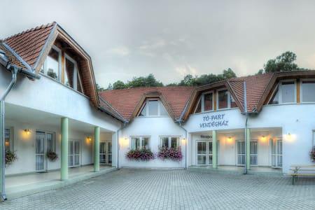 Tó-part Vendégház - Kőszeg - Lakás