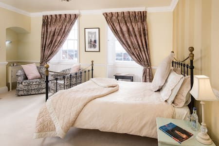 A 5* Gold rated B&B - Tweed Room - Bed & Breakfast