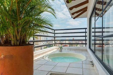 Espectacular Apartamento con Jacuzzi y Terraza - Lakás