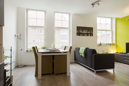 Bright & comfortable in typical Amsterdam building - Amsterdam - Appartement