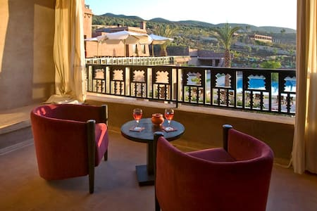 Tanamart Suite Sénior Kasbah Agounsane - Lahebichate