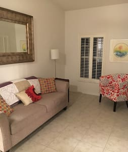 Cozy Apartment Near Downtown Eustis - Lejlighed