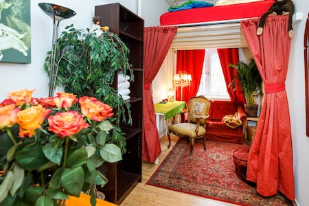 Stay in central Oslo, within walking distance of Oslo's popular attractions like the Royal Palace, Akershus fortress, Akerbrygge, City Hall, Oslo Concert Hall and the Harbor.