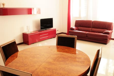 Cozy & Centric Double Room! - House