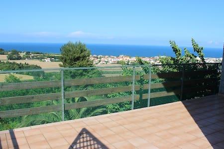 Bellissima villa con terrazzo vista mare giardino - Villa