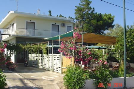 Mom and Dad's House in Chandrinos, Messinia Greece - Haus