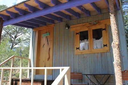 Jolly Llamas Getaway - Garden Cabin - Sommerhus/hytte