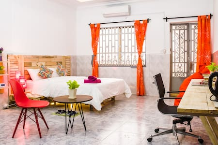 Big Cozy - Central Phnom Penh - Apartamento