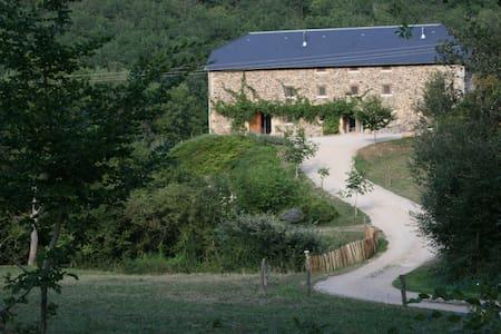 Zomerhuis voor 18 personen in de Midi-Pyrennées - Terrou