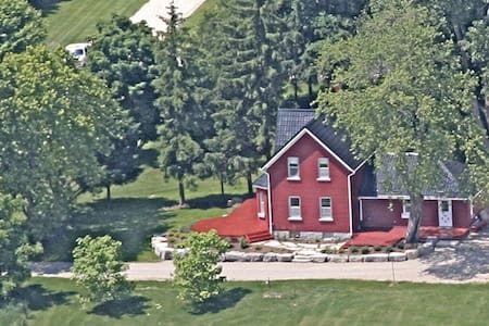 Red Farm House Over Yonder - Meaford - Ház