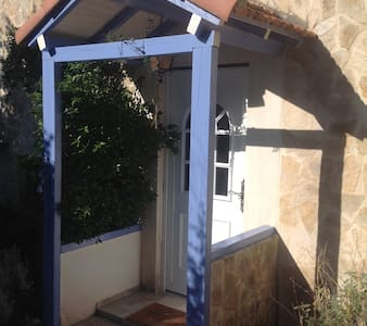 Self-catering house for 4/6 persons - House