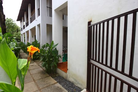 Lenny's Goa Retreat Villa, Family rooms for 4 - Saligao