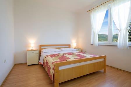 Apartmani Ante Batur 1 - Apartment