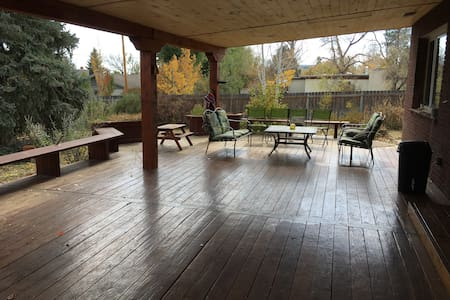 Convenient Family Home - Los Alamos - Rumah