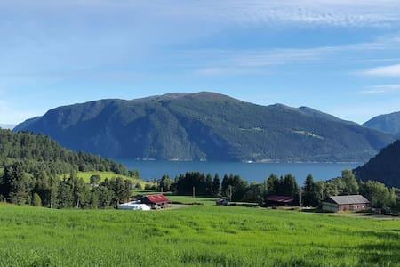 Landlig bolig, idylliske omgivelser - Stranda