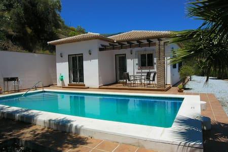 Beautiful Country Villa With Pool - Canillas de Albaida