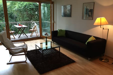 Centric+spacious apt for 2 in Mitte