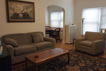 Nice clean 1 bedroom apartment - Apartment