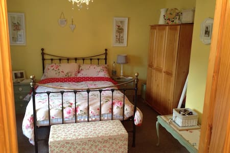Picturesque 3bd Nr Burren Dbl Rm+